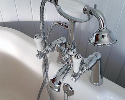 bathroom_cleaning4-400x320